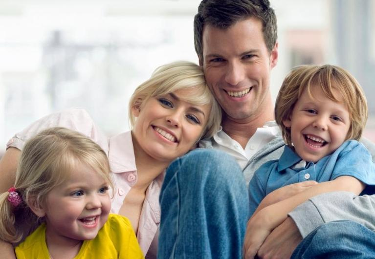 a family smiles | family dentist coffs harbour