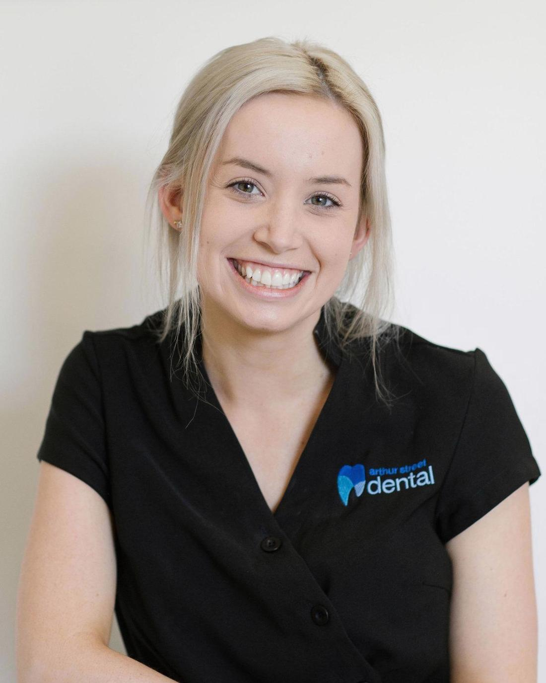 shannon timms, our senior dental assistant, smiles | coffs harbour dentist